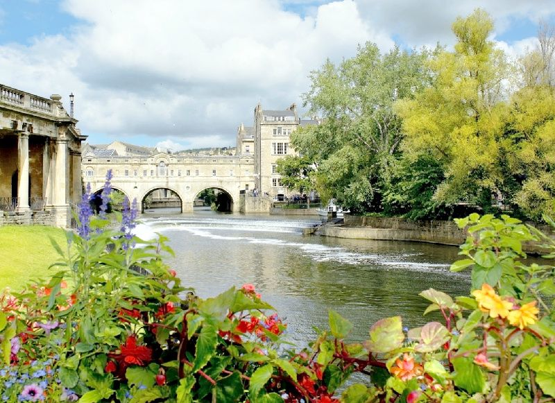Windsor Castle, Stonehenge, and Bath Day Tour from London
