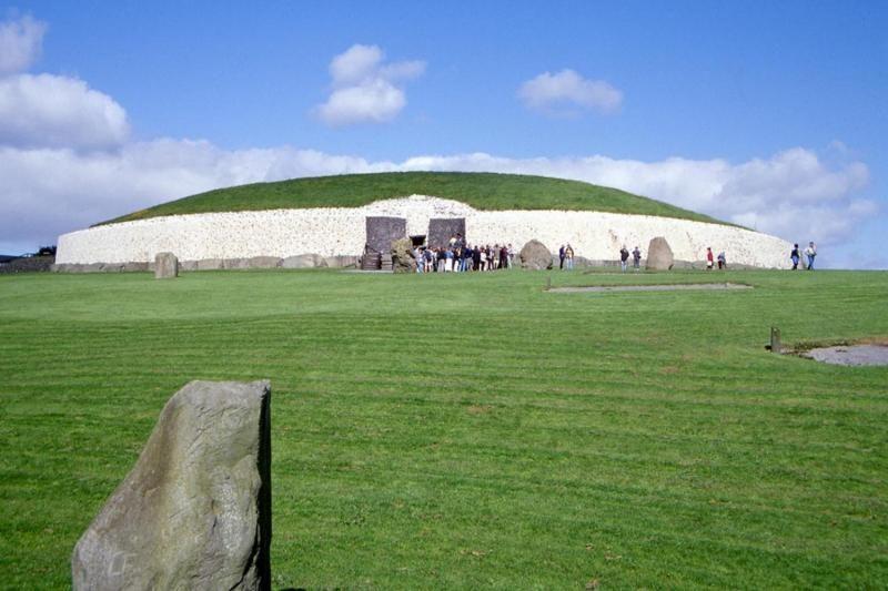 Newgrange and Hill of Tara Day Trip from Dublin