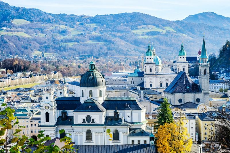 7-Day Central Europe Tour with Indian Food: Prague to Vienna