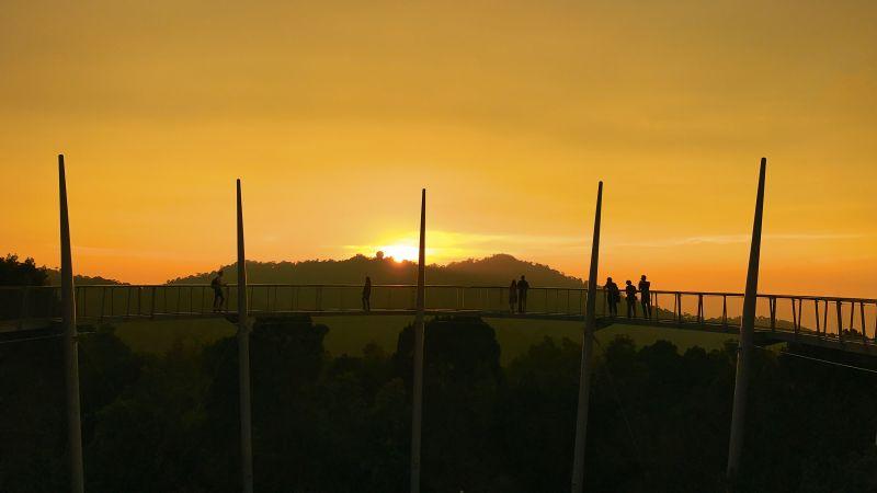 Penang Hill Sunset, Tree Top and Night Walk Tour