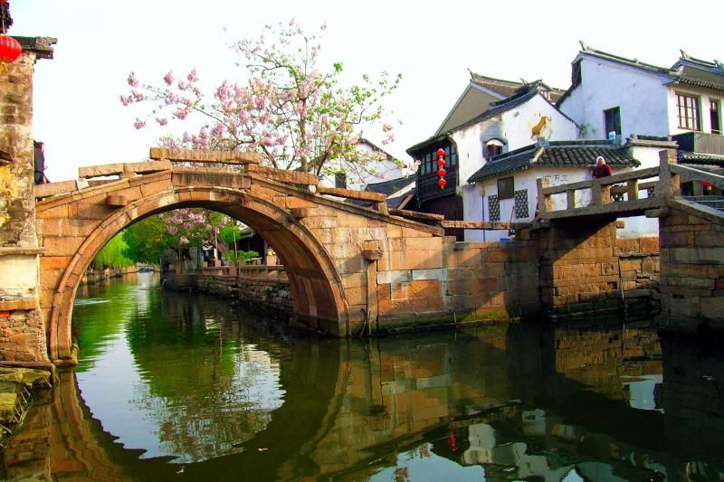 Zhouzhuang Water Village Half Day Tour: Boat Ride and Silk Mill