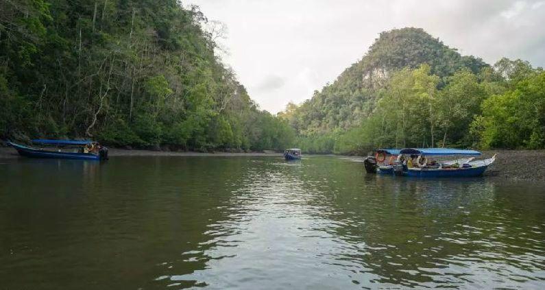 Half Day Langkawi UNESCO Global Geopark Cruise
