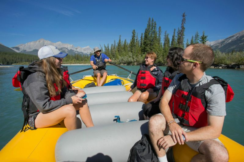 1-Hour Canmore Bow River Tour