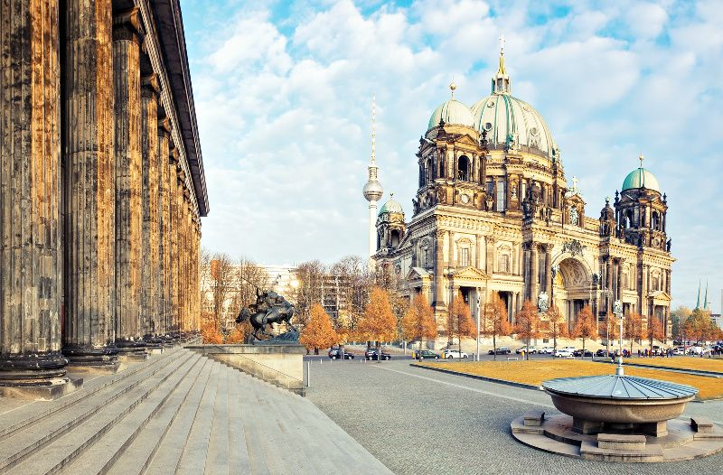 7-Day Central Europe Tour from Frankfurt: Switzerland | Austria | Hungary | Czech Republic | Germany
