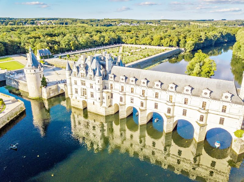 3-Day Normandy, Mont Saint-Michel and Loire Valley Tour from Paris