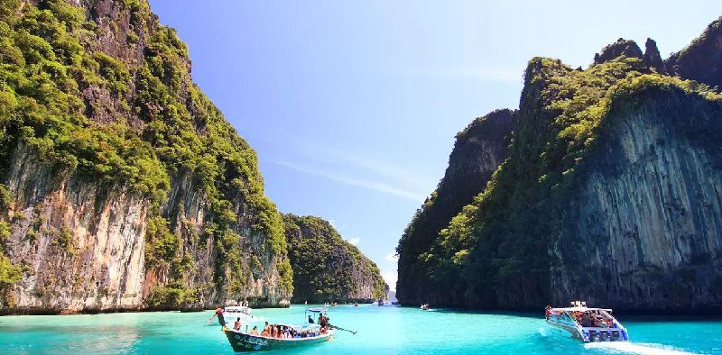 1-Day Tour to Maya Bay and Phi Phi with Speedboat