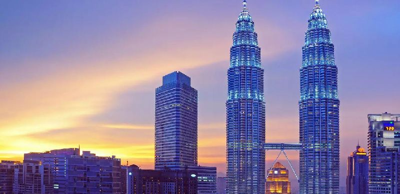 Petronas Twin Towers Admission W/ One Way Transfer