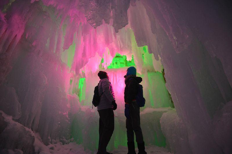 5-Day Classic Japan Adventure Tour: Sapporo Snow Festival & Hokkaido Highlights