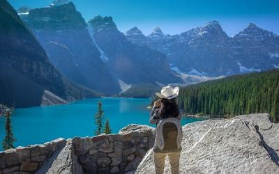 5-Day Canadian Rockies Tour: Calgary to Vancouver