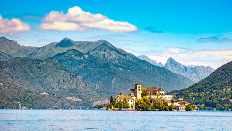 4-Day Italian Lakes Small Group Tour from Milan