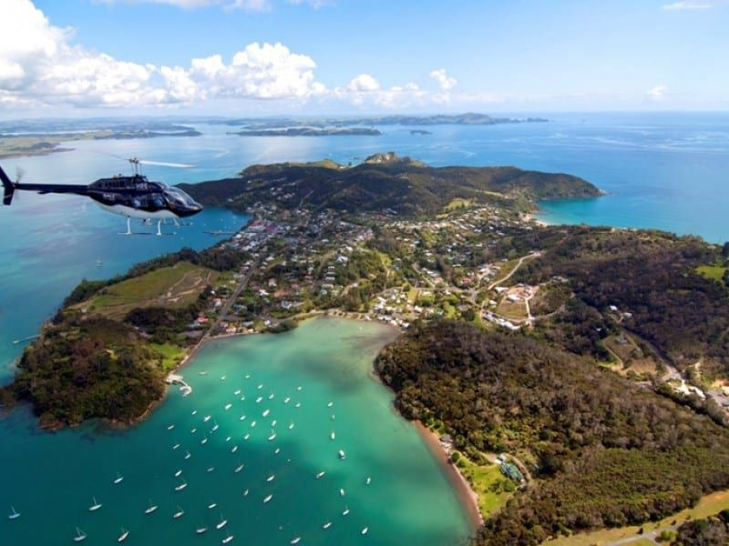 Bay of Islands Scenic Helicopter Flight to Hole in the Rock