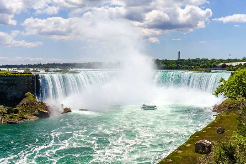 6-Day Classic Canada East Tour with Indian dinner and Hindi guide