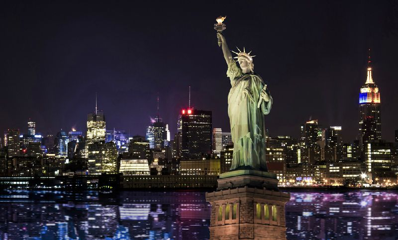 New York City Statue By Night Tour