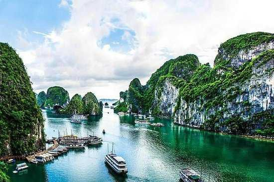 10-Day Tour to Cambodia, Vietnam and Laos from Siem Reap