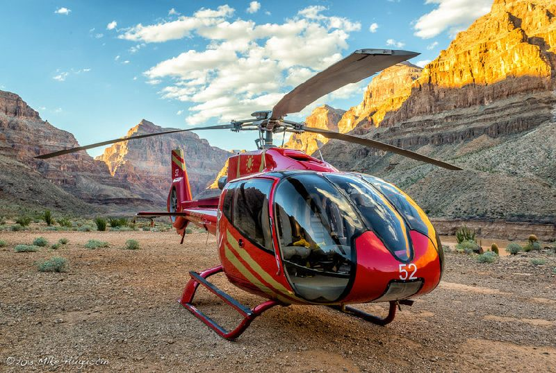 Grand Canyon Landing Helicopter Tour with Champagne Lunch