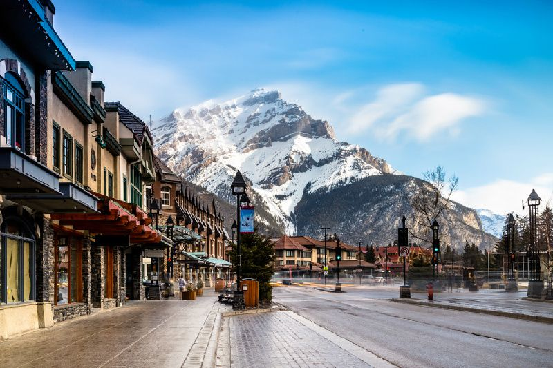 5-Day Canadian Rockies Tour from Vancouver: Banff, Jasper, Icefield, Lake Louise, Maligne Canyon & Lake