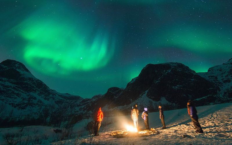 Tromso Northern Lights Chase by Minibus