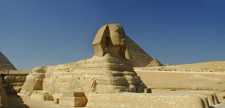 1-Day Tour to the Pyramids and Old Cairo