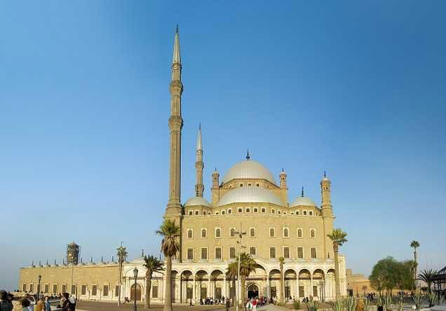 1-Day Tour to the Pyramids, Egyptian Museum, and Citadel