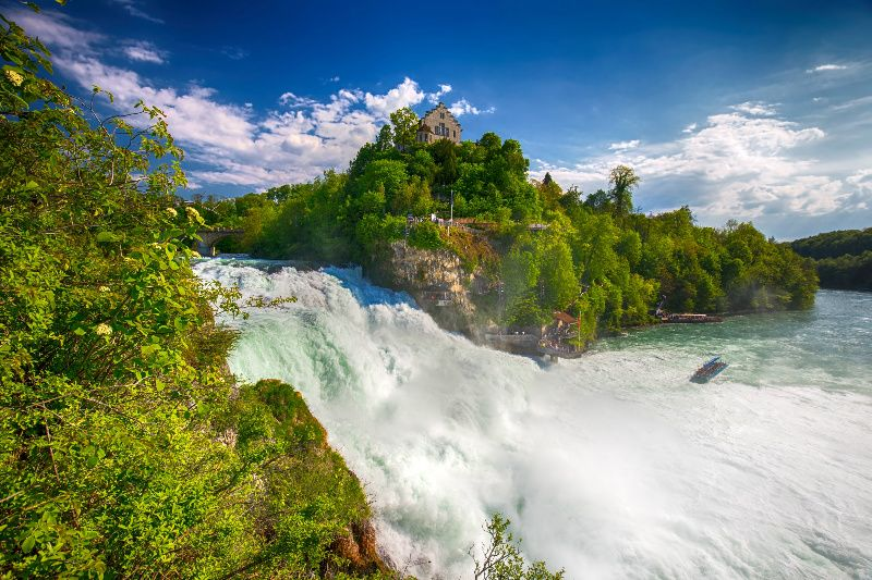 7-Day Central and Eastern Europe Tour: Vietnamese Guide