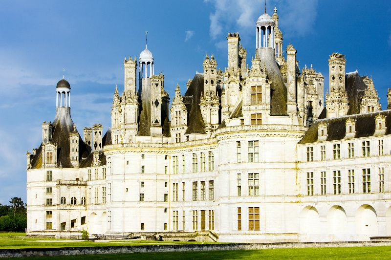 Loire Valley Small Group Tour w/ Paris Hotel Pick-up and Lunch
