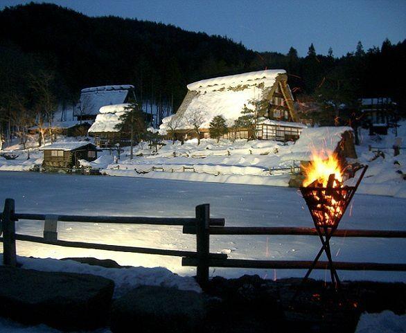 2-Day Hida no Sato Light-up in the Snow & Shirakawa-go Tour