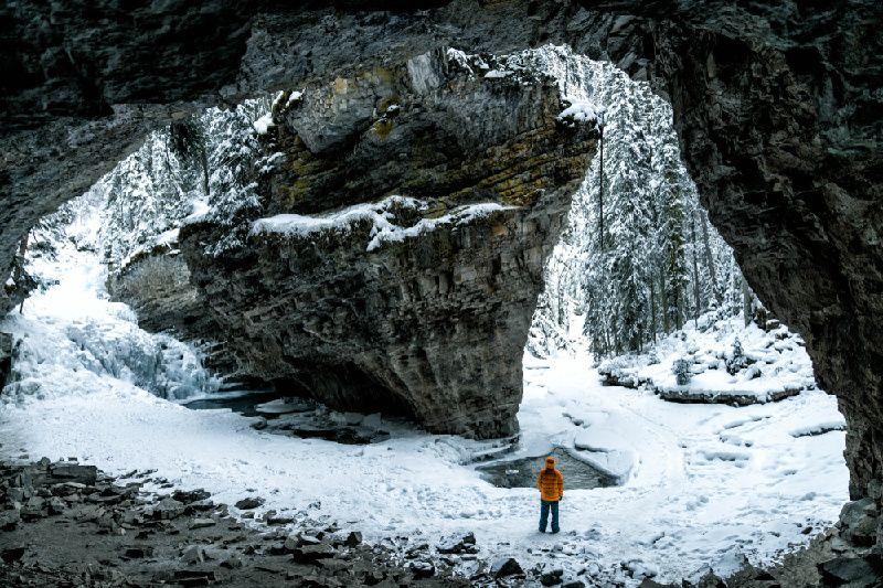 1-Day Rocky Mountains Tour: Johnston Canyon and Banff