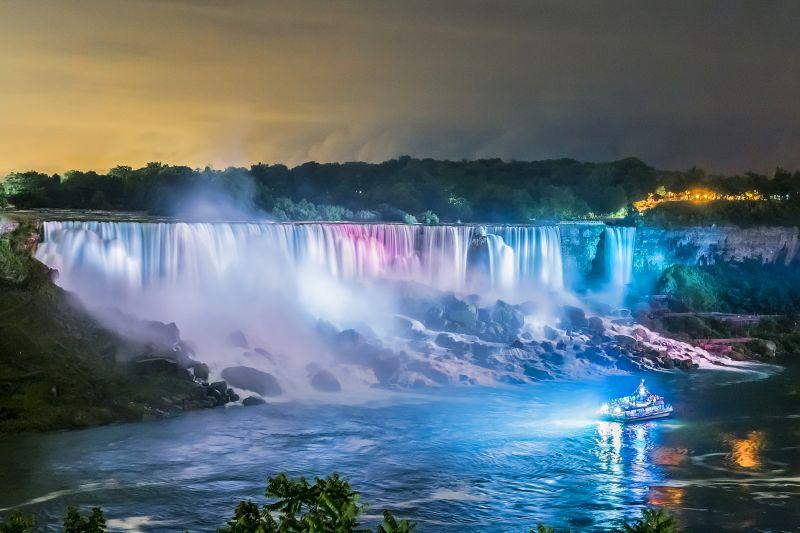 Niagara Falls Day and Night Tour from Niagara Falls, ON