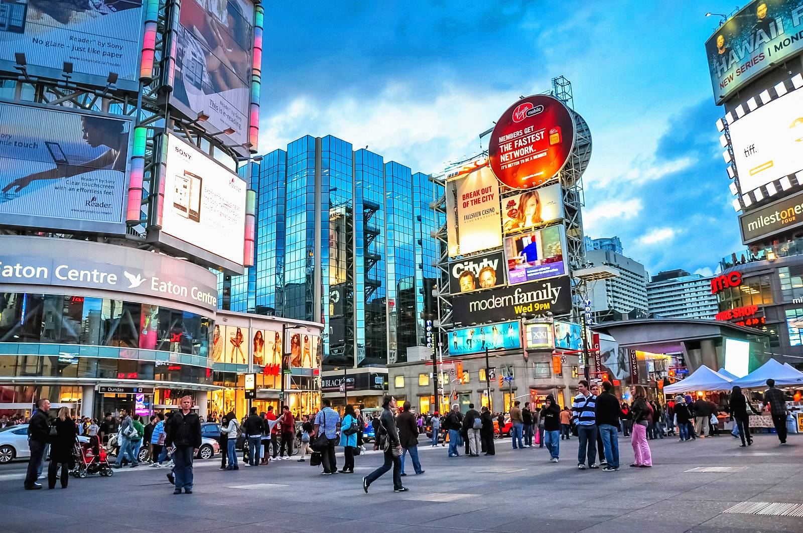 5-Day Canada Tour From Montreal: Montreal, Quebec, Ottawa, Niagara Falls, and Toronto