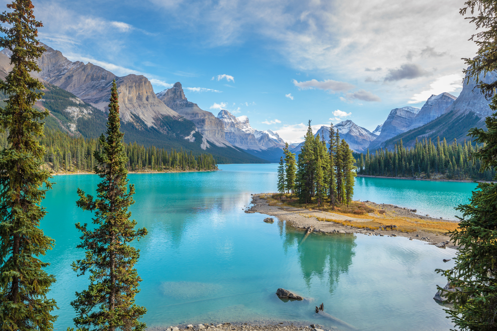 4-Day Calgary to Jasper, Banff, Lake Louise & National Park, Columbia Icefield, Vancouver