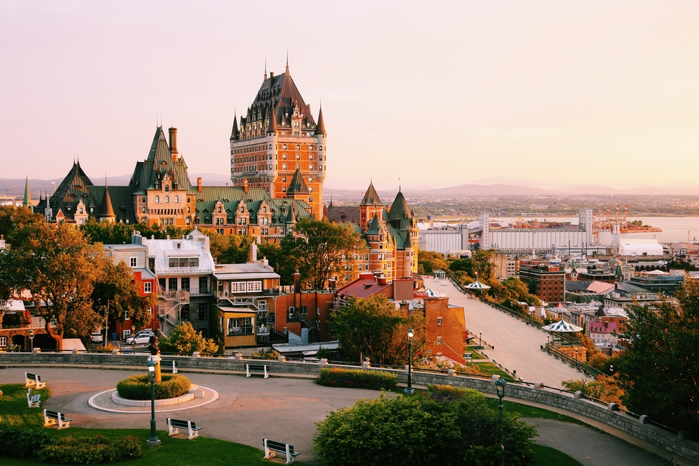 8-Day Canada East In-depth Fall Foliage Tour: Algonquin Provincial Park, Canyon Sainte, Thousand Islands - Superior hotel in Quebec