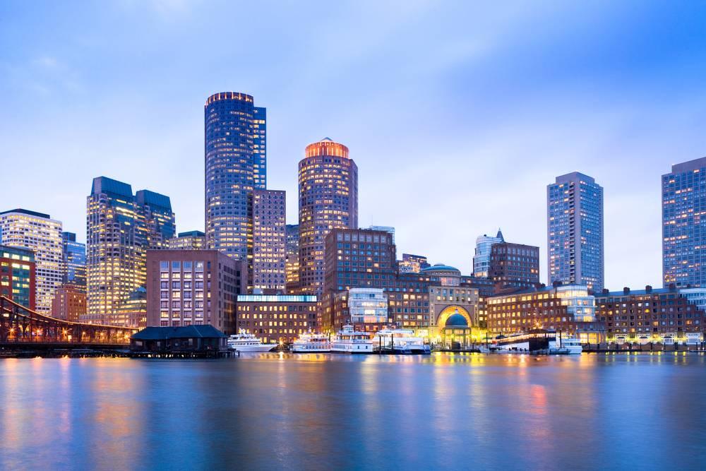 5-Day East Coast Economy Tour from Boston: Niagara Falls, New York, Washington D.C.