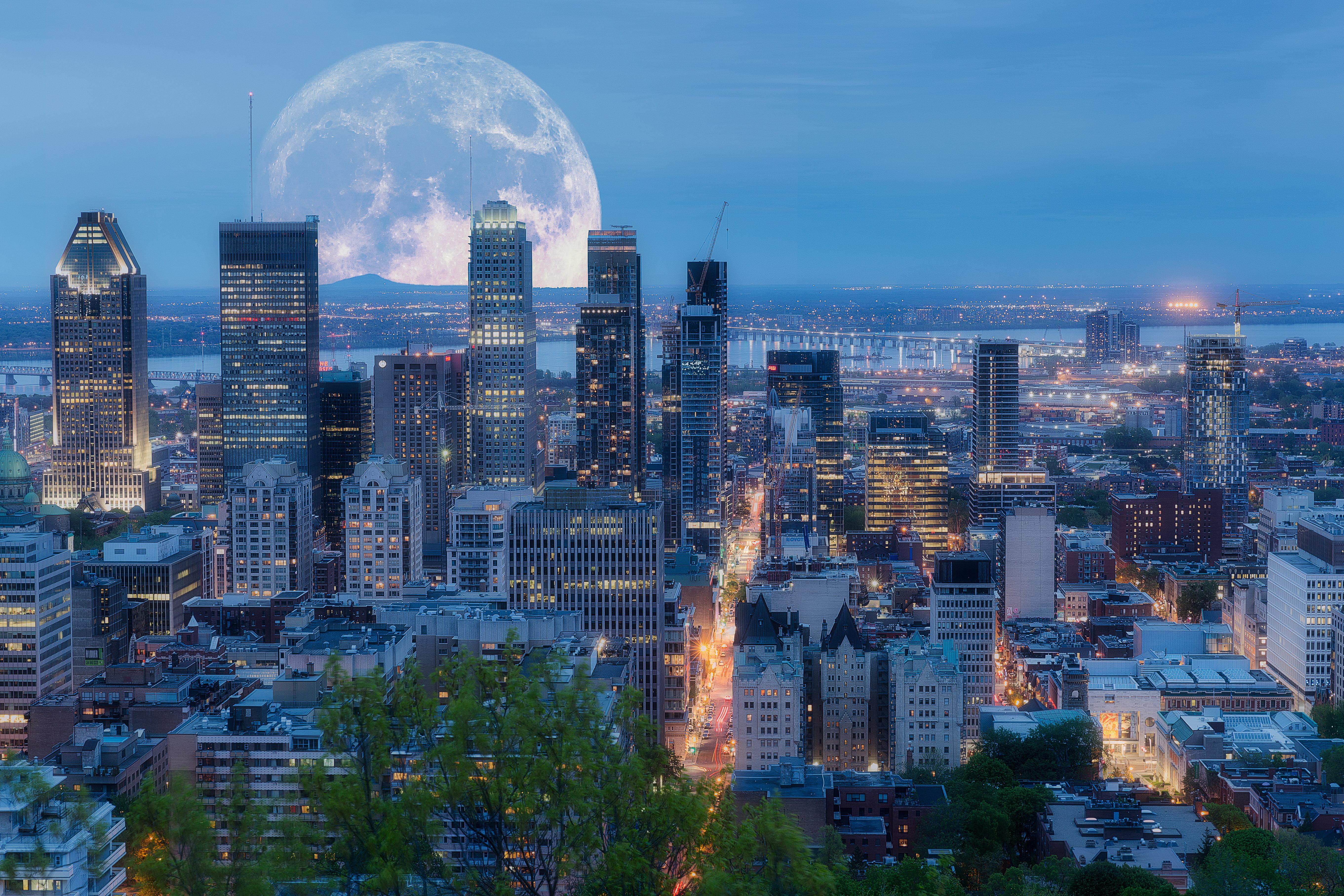 4-Day Montreal, Quebec, Ottawa, Toronto and Niagara Falls Tour from Montreal
